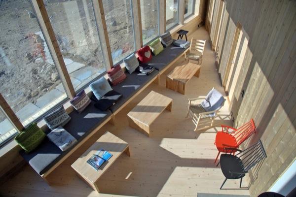 interior-Cabaña-Rabot-Noruega