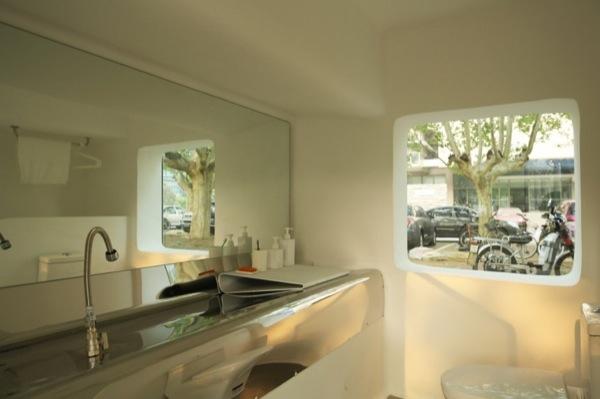 interior-baño-Micro-Casa-fibra-vidrio