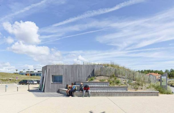 Duna-Habitada-equipamiento-deportivo-playa