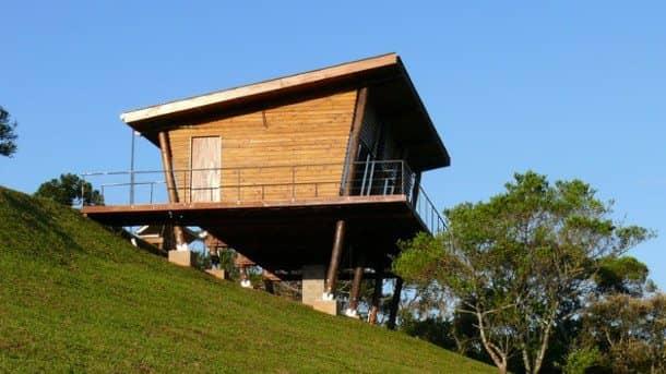 Eucaliptus caba a de madera sobre 8 pilotes - Refugios de madera prefabricados ...