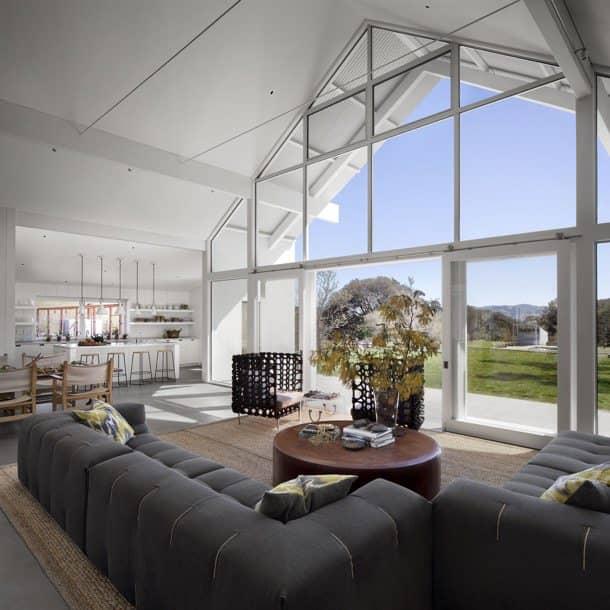 Hupomone-Ranch-interior