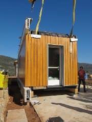El-Refugi-casa-prefabricada-montaje