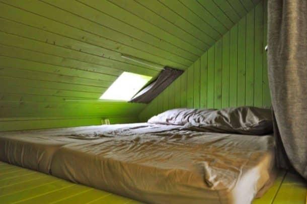 Trek-In-cabaña-prefabricada-dormitorio-altillo