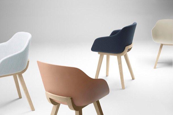 Kuskoa_Bi sillas plásticas en varios colores
