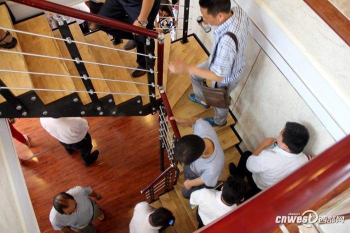 Casa-china-impresa-3D-escalera