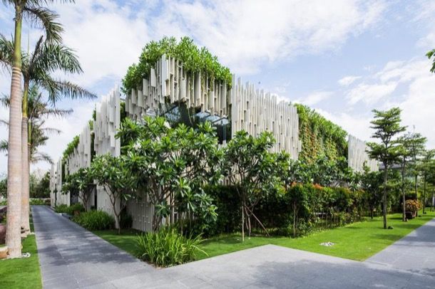 Naman-Pure-Spa-fachada-vegetal