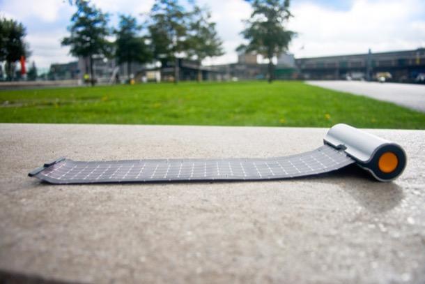 cargador-solar-WAACS-lamina-fotovoltaica-extendida