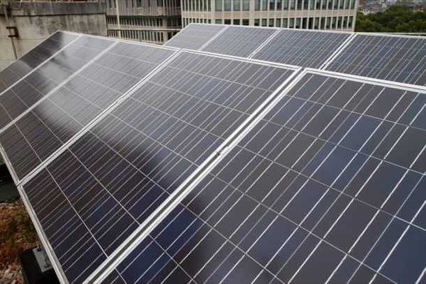 celdas fotovoltaicas en panel solar