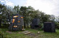 Refugios de madera en el archipiélago de isla Fiona (Dinamarca)