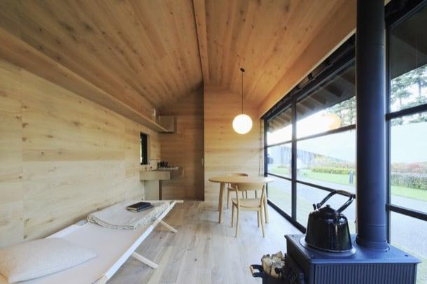 interior cabaña madera Naoto Fukasawa