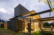 RDP House: casa con contenedores en Ecuador