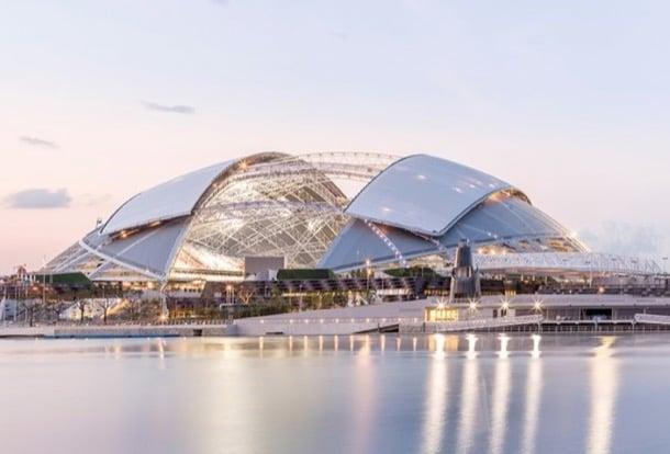 estadio nacional Singapur con cubierta retráctil