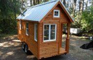 Siskiyou (Colonial): casa de madera sobre un remolque