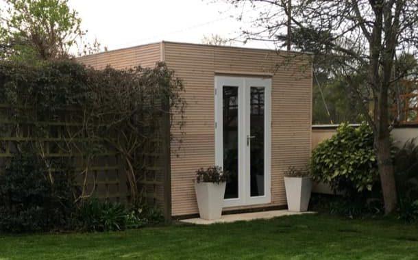 LINE: casetas de madera de alerce, de Garden Affairs