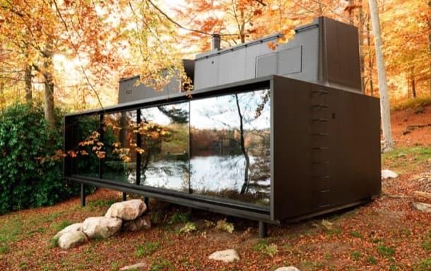 cabaña prefabricada VIPP en metal y vidrio